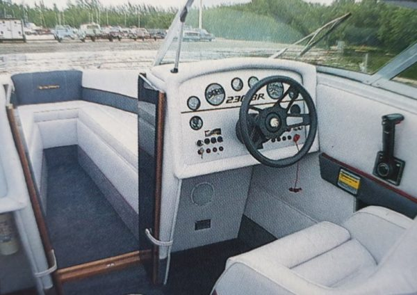Celebrity 230 Cockpit