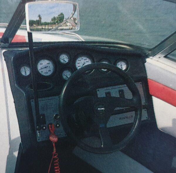 Rinker 186 Captiva Cockpit