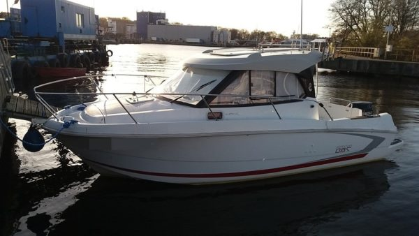 780 boat front line